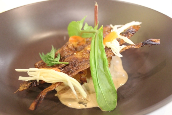 Parsnips – Bark, puree, raw, glazed, garam carrots, pinenut milk, sorrel and wild carrot greens.
